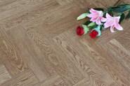 Low MOQ High Quality Hot Design Solid flooring Oak-Herringbone