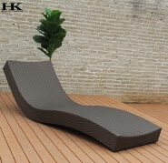 Nice design garden PE rattan sun lounger outdoor wicker furniture