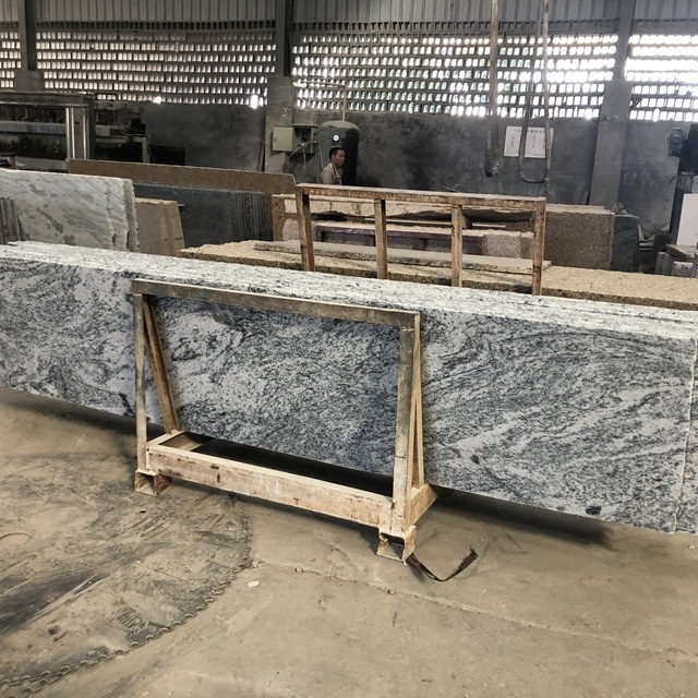 2cm Thick Viscount White Granite Slabs for commercial building