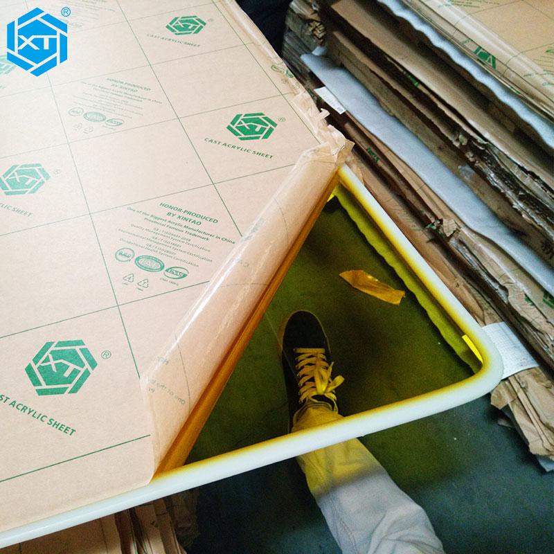 XINTAO Translucent Fluorescent Cast Acrylic Sheet