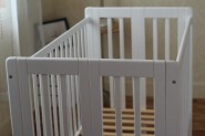 The newest type wooden extensiable baby crib manufacturer cots