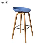 Modern plastic seat high wooden leg bar chair for restaurant bar