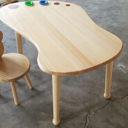 2019 Factory price Wooden Foot Shaped Children's Table
