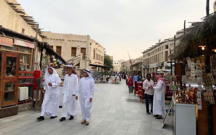 卡塔尔暂停非卡塔尔人进入以屏蔽经济.JPG