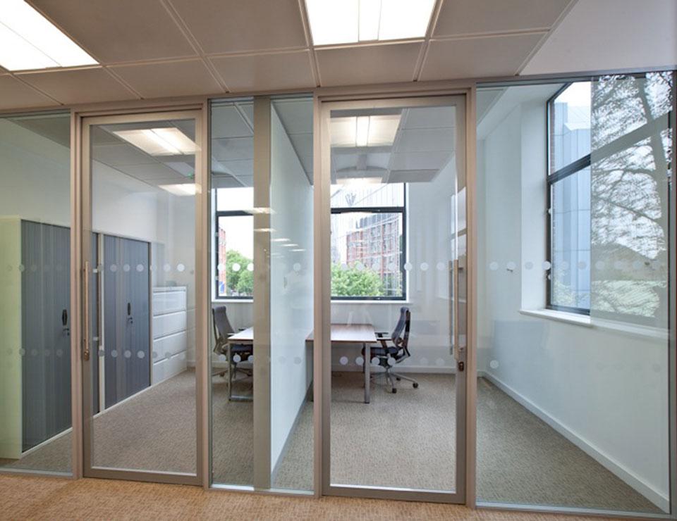 glass door2.jpg