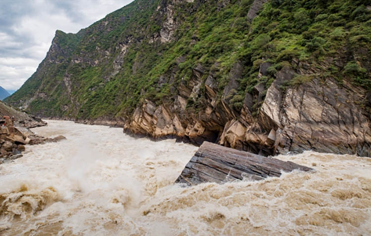 Flooding to release pent-up demand for infrastructures