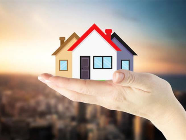 Home sales reach a 14-year high in August