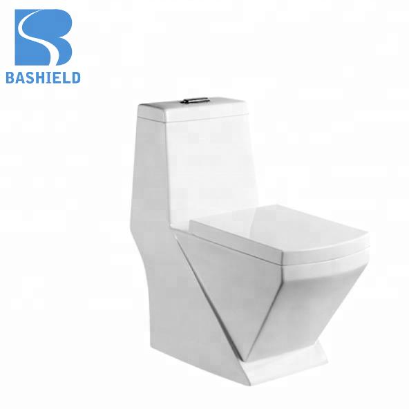 BM1058 Arabia design Elegant design bathroom ceramic wash down one piece toilet set