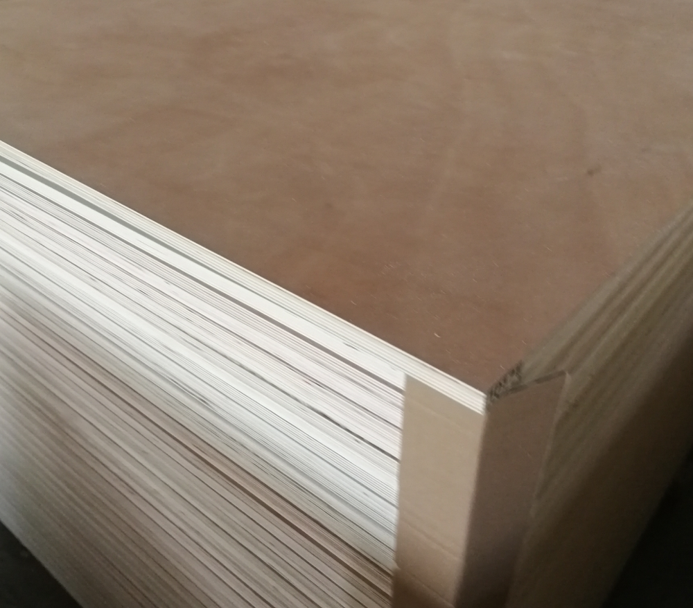 Cheaper and red face commercial plywood