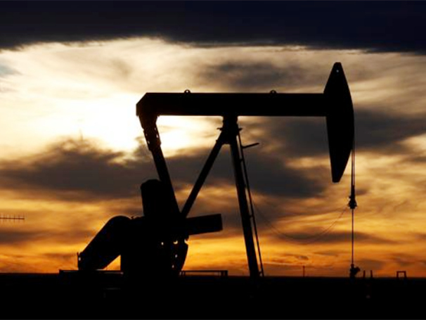 Oil down 5% as rising OPEC+, Iranian output weighs
